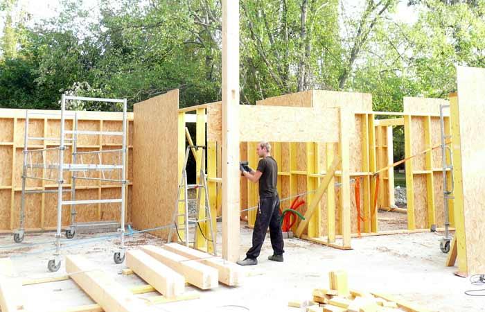 06 Installation-poutres-mezzanine in Construction maison bois - Labarthe/Lèze (31)