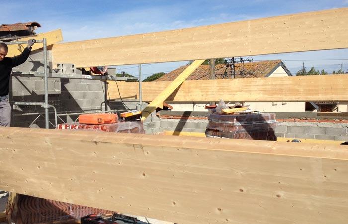 16 Mise-en-place-charpente in Construction maison Aussonne (31)