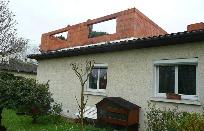 04-Surelevation-Tournefeuille-Murs-briques2 in Surélévation maison Tournefeuille (31)