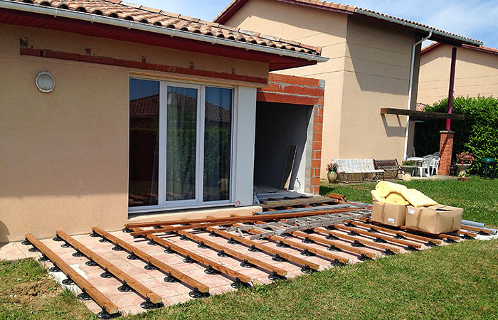 Extension briques et toit terrasse colomiers 31 ebs for Extension sur terrasse