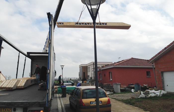 01-Surelevation-Colomiers-4pentes-poutres in Surélévation maison à Colomiers (2)